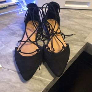 😍 Black Pointy Toe Lace Up Flats w/ Gold Heel
